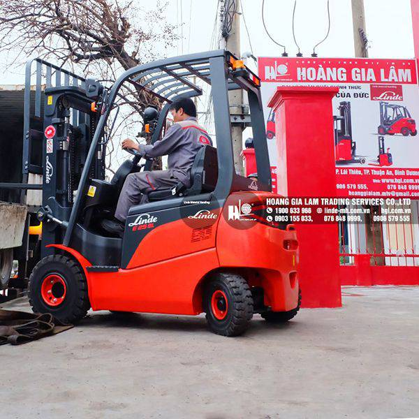 HGL xuất container xe nâng Linde E25SL sang Campuchia
